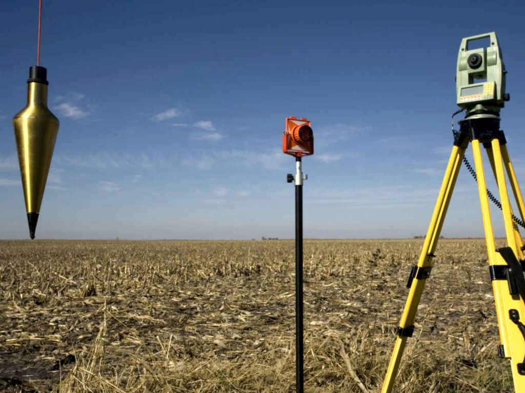 We help ourselves to measure the land with instruments