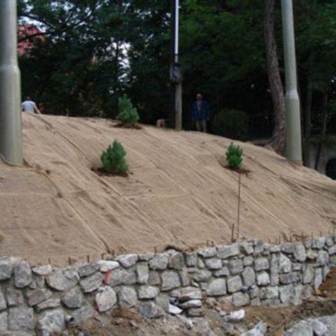 Securing the slope against a landslide